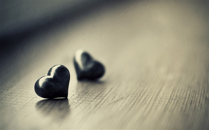 two black hearts-love wallpaper pictures Views:6641