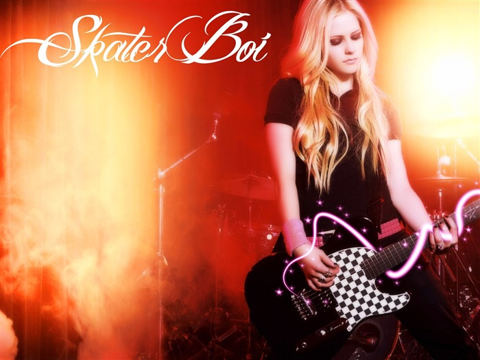 Avril Lavigne-Super Star Singer Desktop Wallpaper Views:17570