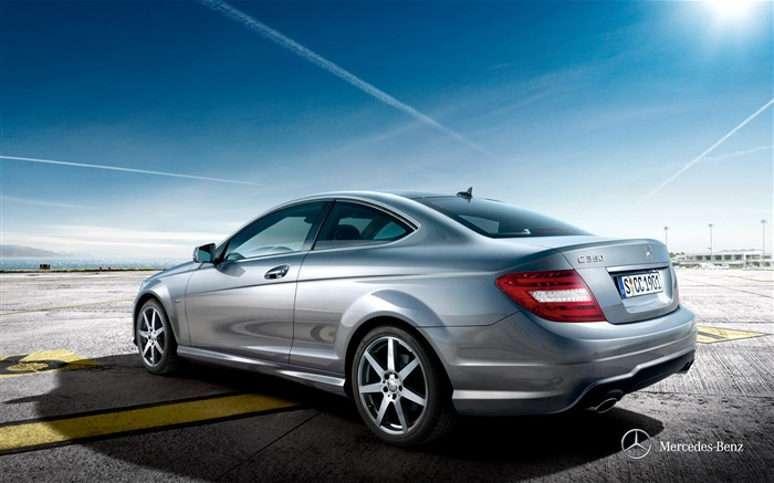 C350 Coupe wallpaper Views:8444 Date:12/10/2011 11:45:57 AM