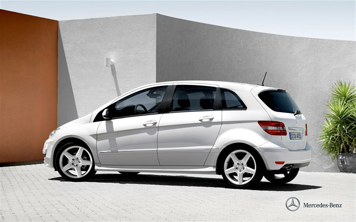 Mercedes-Benz B-Class 2011 Wallpaper Views:16066