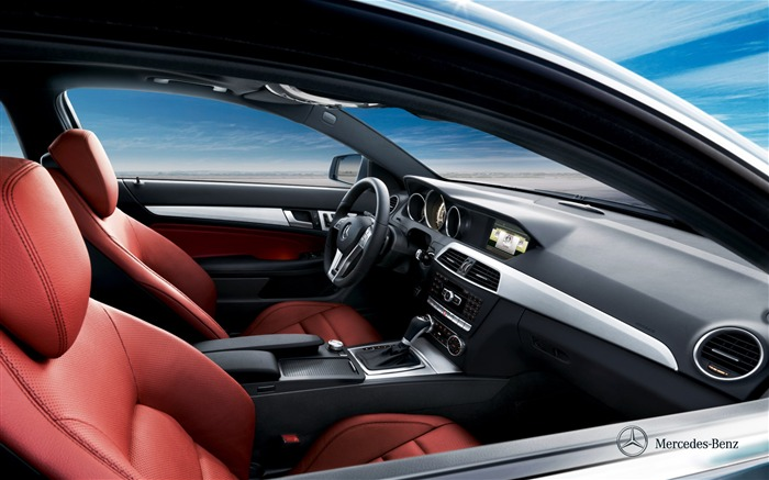 Mercedes-Benz C-class coupe front room wallpaper Views:6664 Date:12/10/2011 11:46:46 AM