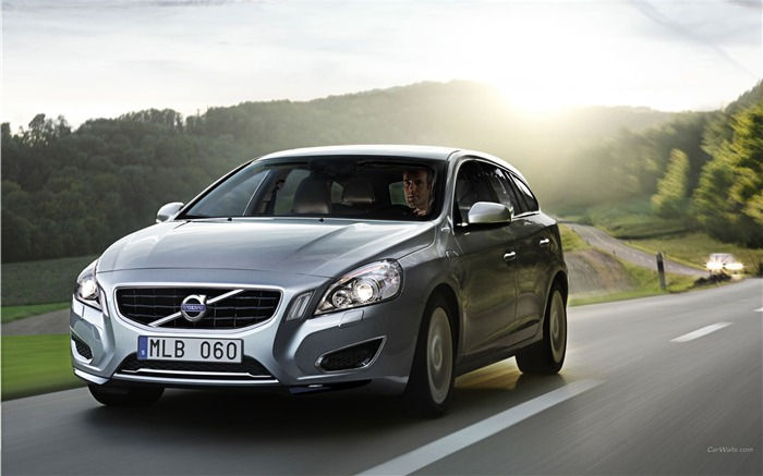 Volvo V60 Plug-in Hybrid HD Car Wallpaper Views:14502
