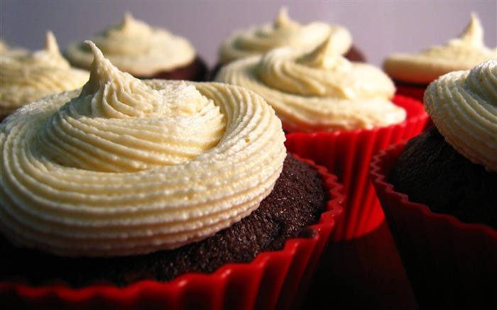cupcakes with cream-sweet foods Desktop Wallpaper Views:11433