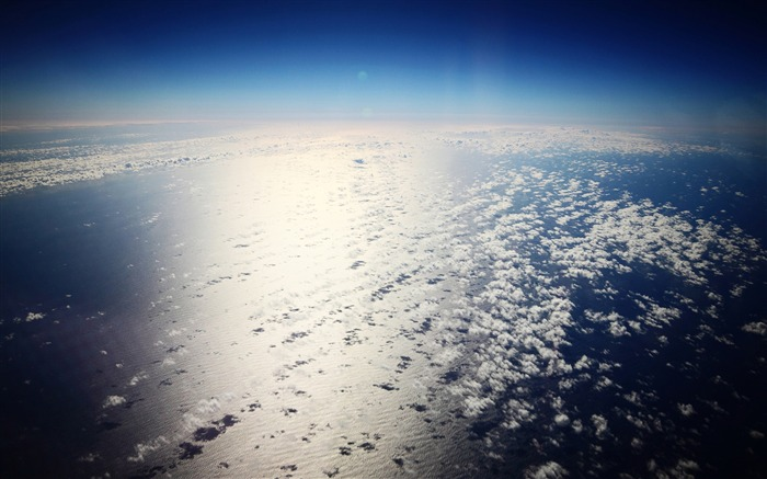over the pacific-Explore the mysteries of the universe Views:7837 Date:12/12/2011 11:50:18 PM