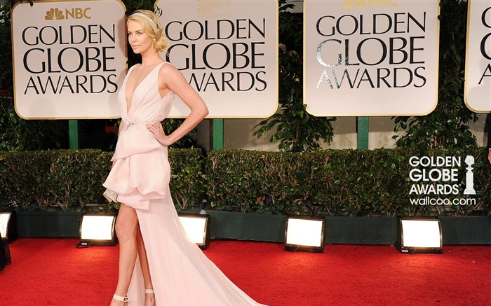 Charlize-Theron Wallpaper Views:8021 Date:1/23/2012 12:41:25 AM