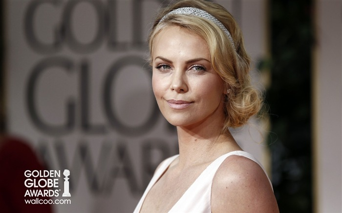 Queen Charlize-Theron amazing wallpaper is not out of line Views:8202 Date:1/23/2012 12:44:20 AM