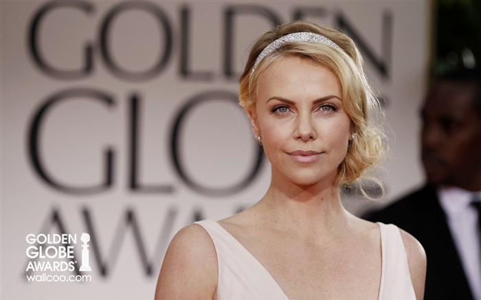 South African diamonds Charlize-Theron Wallpaper Views:8189 Date:1/23/2012 12:43:23 AM