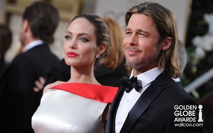 most powerful Hollywood couple Pitt and Jolie wallpaper Views:7703 Date:1/23/2012 12:52:36 AM