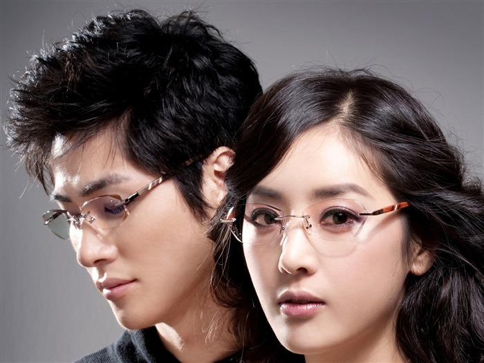 Charming beauty model glasses advertising Wallpaper Views:7358
