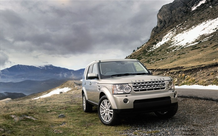 Land Rover Range Rover HD Desktop Wallpaper 12 Views:10340 Date:2/15/2012 1:49:24 AM