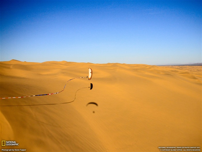 Paraglider Glamis Dunes-National Geographic Travel Photos Views:3828