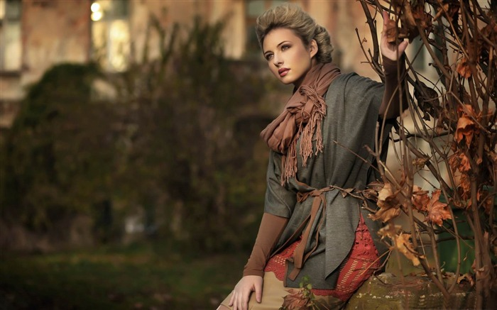 красивые девушки в пальто фото