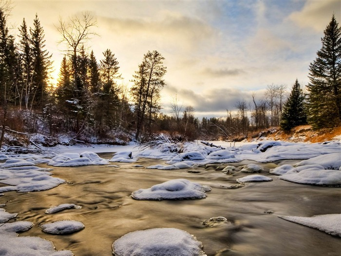 stream winter-Beautiful river landscape photography Views:5214 Date:2/14/2012 11:48:05 PM