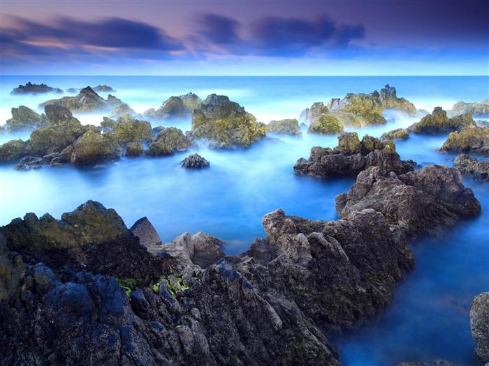 Coast of Porto Moniz Portugal travel-world beautiful scenery wallpaper Views:29079 Date:2012-4-23 21:38:18
