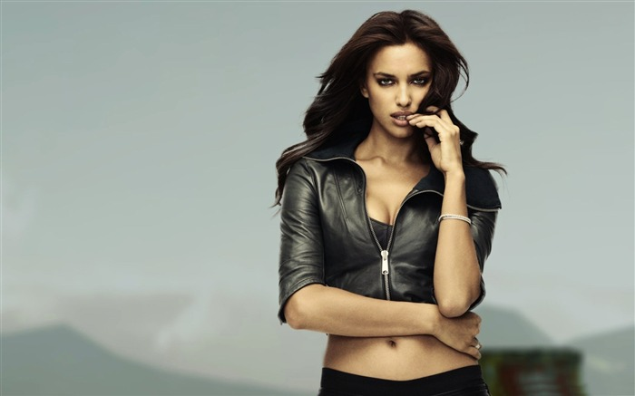 Irina Shayk-Hot sexy beauty photo wallpapers Views:13660