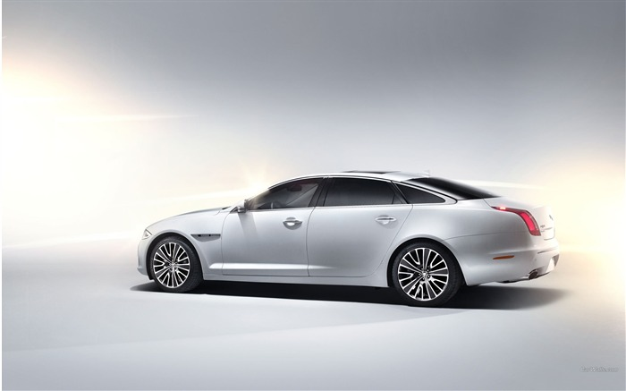 Jaguar XJ Ultimate Auto HD Wallpaper 16 Views:5947
