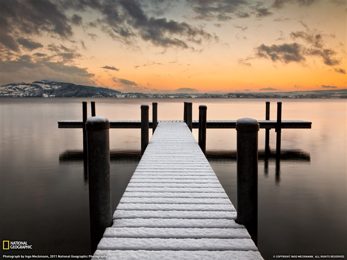 Lake of Zug Switzerland-National Geographic 2011 Best Wallpapers Views:4690 Date:4/7/2012 11:21:09 AM