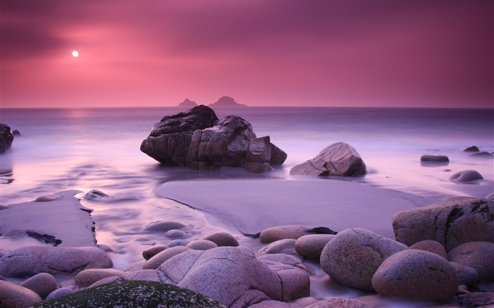 coast at moonlight-Nature Scenery Wallpaper Views:16250 Date:4/27/2012 7:14:46 PM
