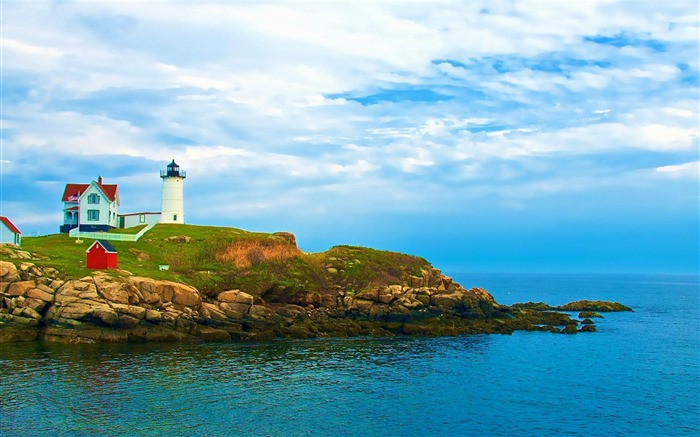 lighthouse on york beach maine-Nature Scenery Wallpaper Views:11250