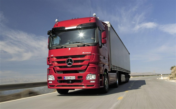 Actros Truck Red Car-transport photography wallpaper Views:16040
