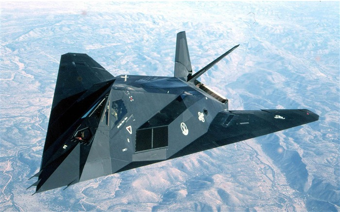 F 117 Nighthawk-Military aircraft wallpaper Views:26954