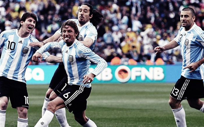 Lionel Andres Messi-football sports wallpaper Views:7111 Date:5/20/2012 10:16:43 AM