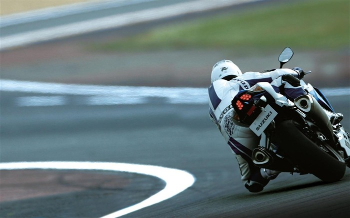 Motorcycle -Outdoor sports wallpaper Views:4558 Date:5/26/2012 9:07:52 PM