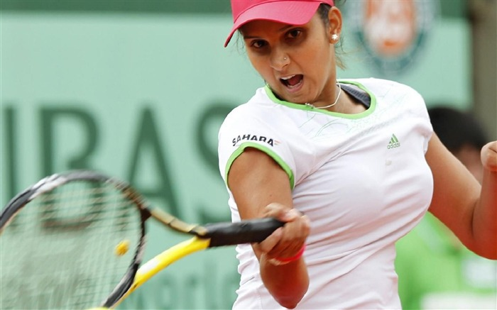Sania Mirza Tennis player-Sports photography wallpaper Views:14913 Date:5/16/2012 11:19:13 PM