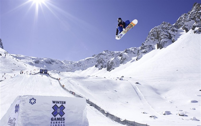 Snowboarding-Sports photography wallpaper Views:15971 Date:5/16/2012 11:20:53 PM