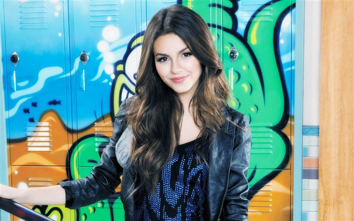 Victoria Justice-beauty model photo wallpaper Views:10282