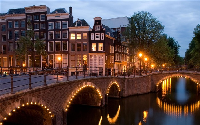 amsterdam netherlands-City Travel wallpaper Views:9210 Date:5/24/2012 11:17:18 PM