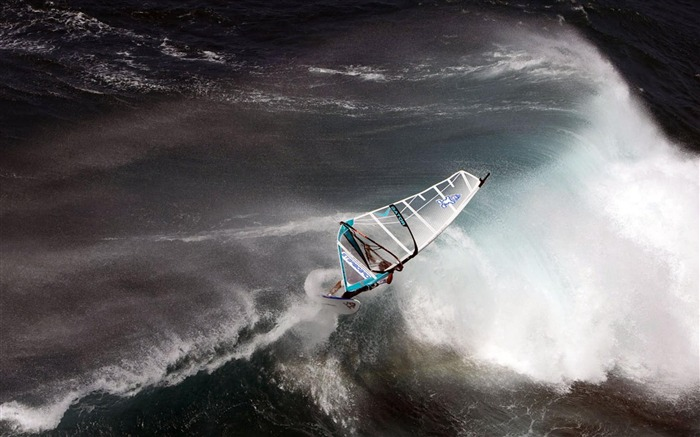 sailing-Outdoor sports wallpaper Views:6837 Date:5/26/2012 9:00:40 PM