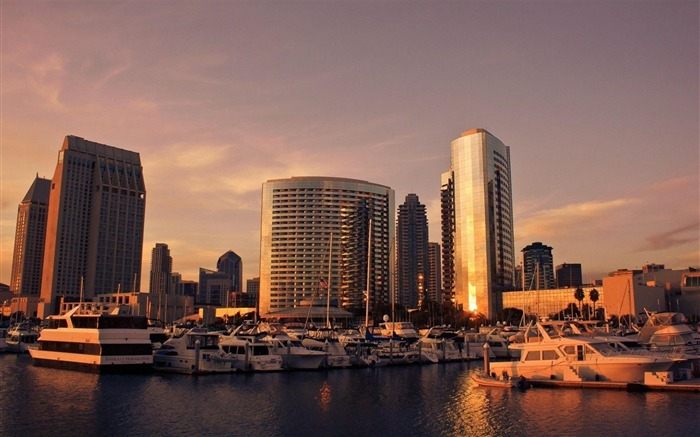 san diego dusk-City Travel wallpaper Views:6414 Date:5/24/2012 11:18:06 PM