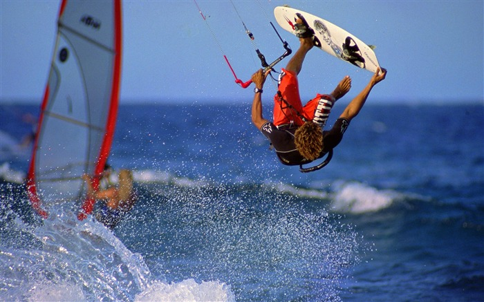 sea sailing-Outdoor sports wallpaper Views:6746 Date:5/26/2012 9:05:27 PM