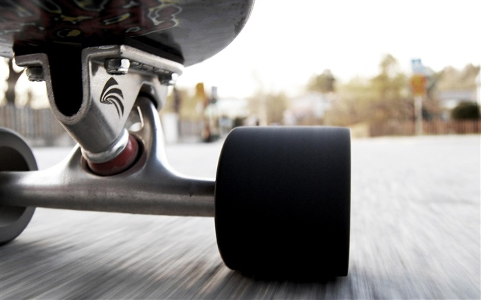 skateboarding slide-Outdoor sports wallpaper Views:15527 Date:5/26/2012 9:06:08 PM