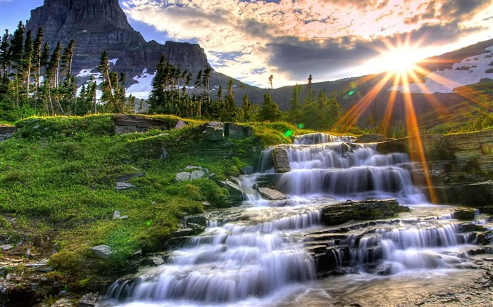 small mountain waterfall-Landscape photography wallpaper Views:4077