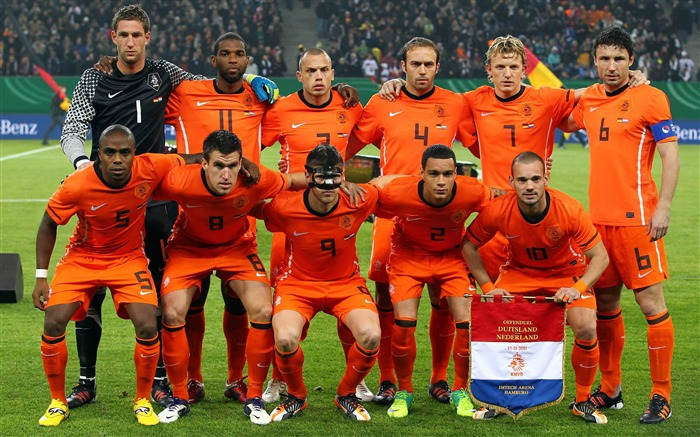 Holland soccer team-Euro 2012 wallpaper Views:34979
