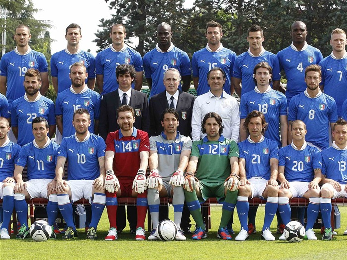 Italy soccer team-Euro 2012 wallpaper Views:14299