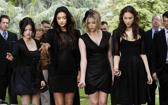 Pretty Little Liars Wallpaper 02 Views:20501