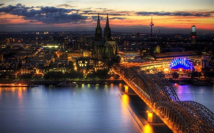 cologne night germany-city photography wallpaper Views:12959 Date:6/17/2012 2:22:54 PM
