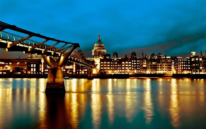 london lights-city photography wallpaper Views:6799 Date:6/17/2012 2:26:52 PM