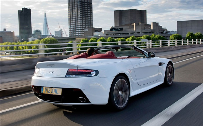 Aston Martin V12 Vantage roadster Auto HD Wallpaper 10 Views:6315