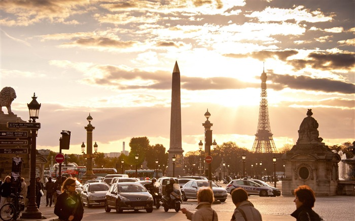 rush hour place paris-France landscape wallpaper Views:14101 Date:7/4/2012 7:57:03 PM