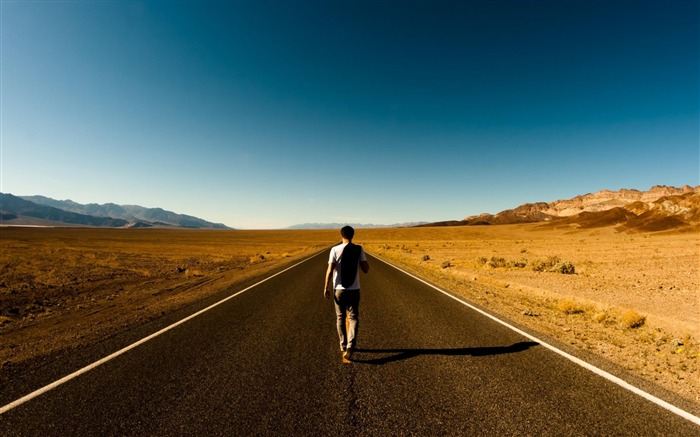 walking alone-High Quality wallpaper Views:16213 Date:7/14/2012 12:21:03 PM