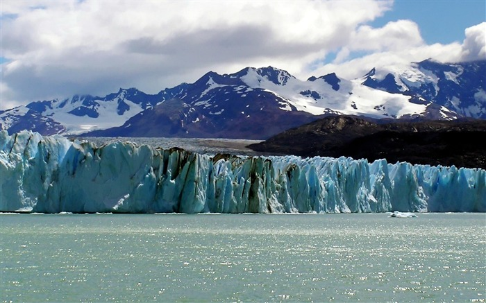 Upsala Glacier Los Glaciares National Park-landscape photo wallpapers Views:10127 Date:8/24/2012 2:41:38 AM