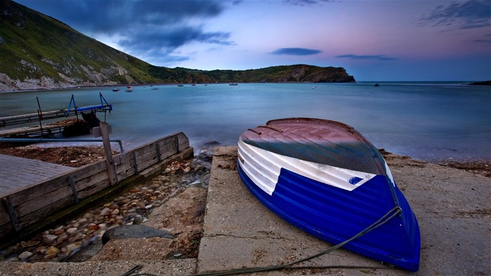 blue boat on beach-landscape photo wallpapers Views:5362 Date:8/24/2012 2:30:25 AM