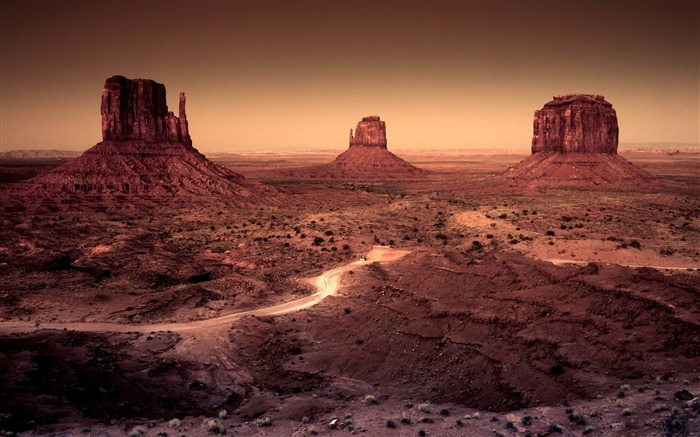 dark monument valley arizona-American Photography Wallpapers Views:13891 Date:8/27/2012 12:08:07 AM