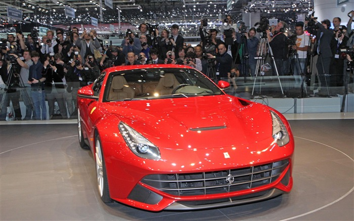 2012 Ferrari F12 Berlinetta Auto HD Wallpaper 10 Views:6268 Date:9/5/2012 7:53:59 PM