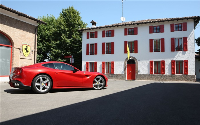2012 Ferrari F12 Berlinetta Auto HD Wallpaper 11 Views:10288 Date:9/5/2012 7:54:21 PM