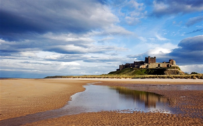 Bamburgh Castle Bamburgh Northumberland England-Nature Landscape Wallpapers Views:12235